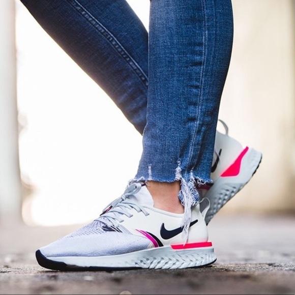 Nike Odyssey React Flyknit 2 Womens